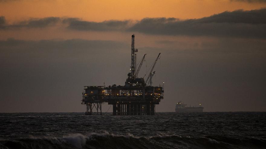 El petróleo de Texas abre con una bajada del 2,22 %, hasta 71,51 dólares