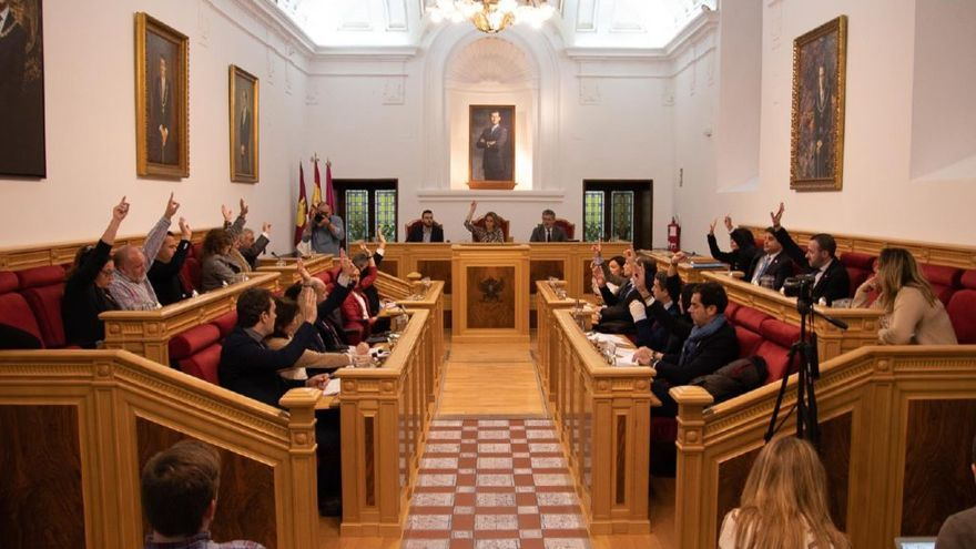 Votación de la moción conjunta en el Ayuntamiento de Toledo que se une a la Red de Ciudades Libres de Trata