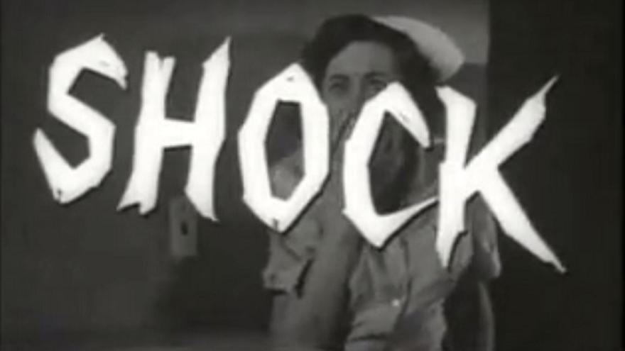 Fotograma de una película en blanco y negro