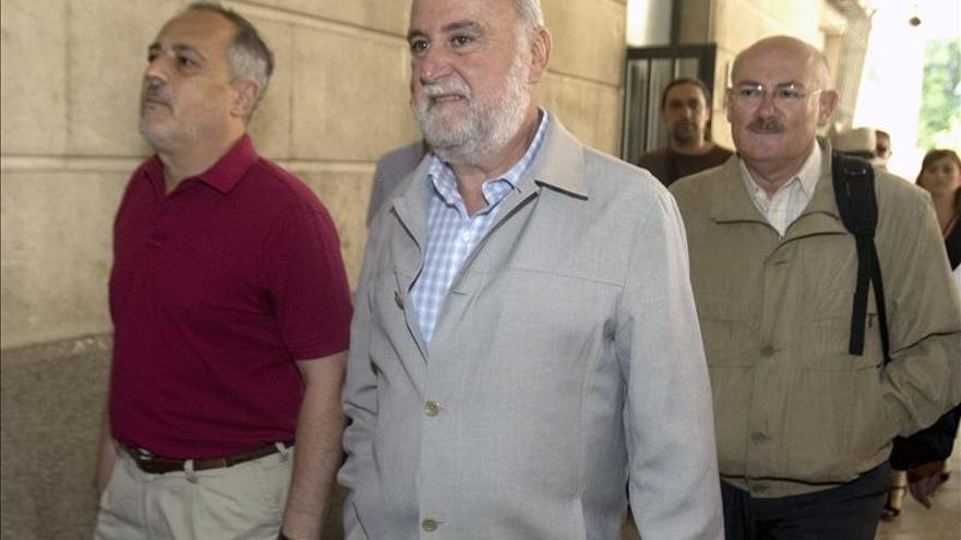El portavoz IU en el Ayuntamiento de Sevilla anuncia su dimisión