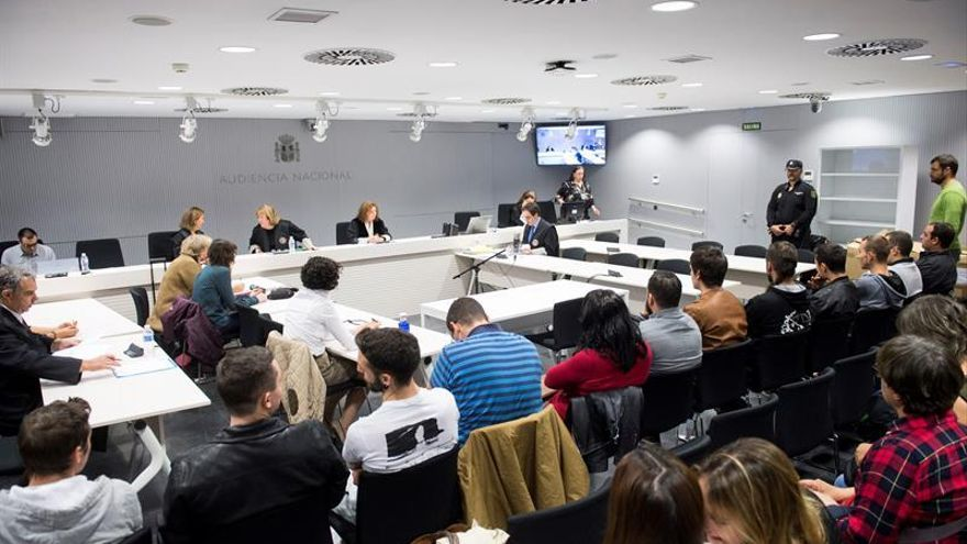 La Audiencia reduce al mínimo de 6 meses la pena a raperos de La Insurgencia