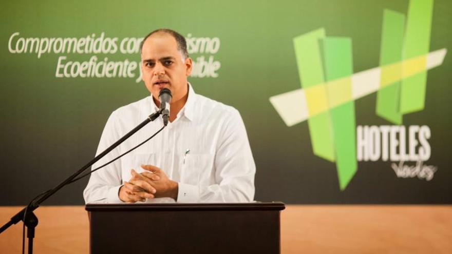 """Las aerolíneas que dejen Venezuela perderán """"gran oportunidad"""", dice ministro"""