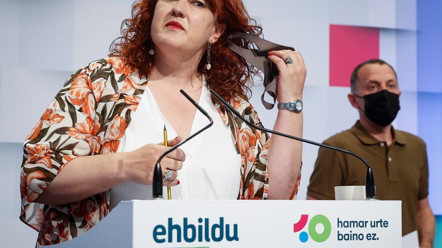 "Eh Bildu cree una ""irresponsabilidad"" abrir un memorial que ""emana naftalina"""
