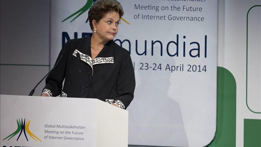 """Rousseff nombrará a sus ministros """"por partes"""" y aún no decide sobre Hacienda"""
