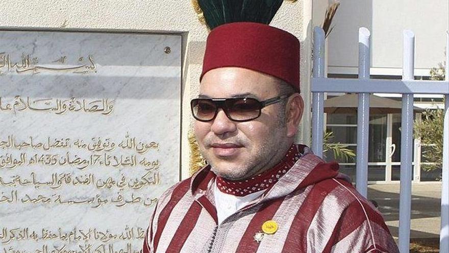 Mohamed VI expresa su solidaridad y apoyo a Francia tras los atentados