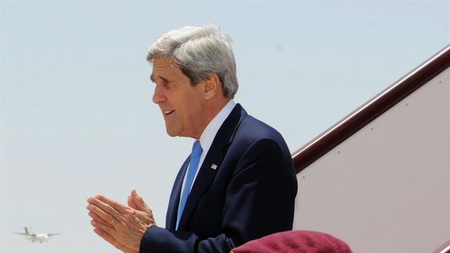 Kerry visita dos días Omán para tratar el conflicto yemení