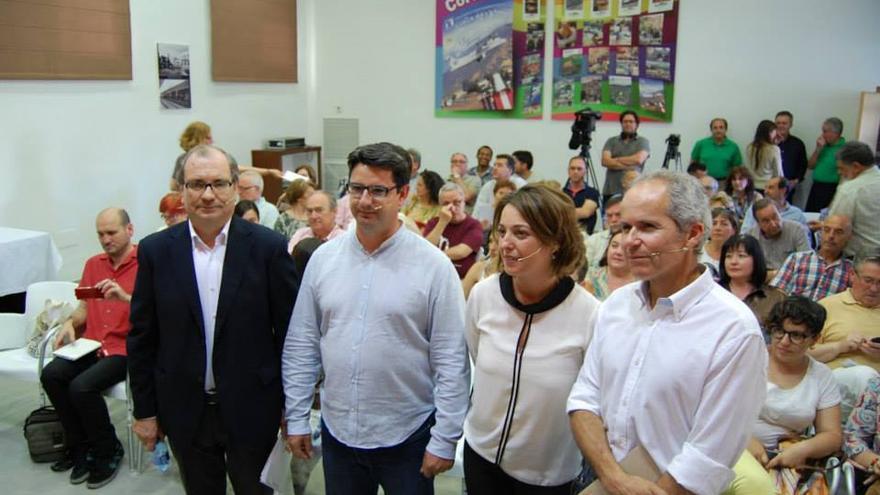 Los candidatos en Córdoba de Ganemos Córdoba, PSOE, IU y Ciudadanos antes del debate sobre la Mezquita-Catedral. (Foto RRSS Ganemos Córdoba)