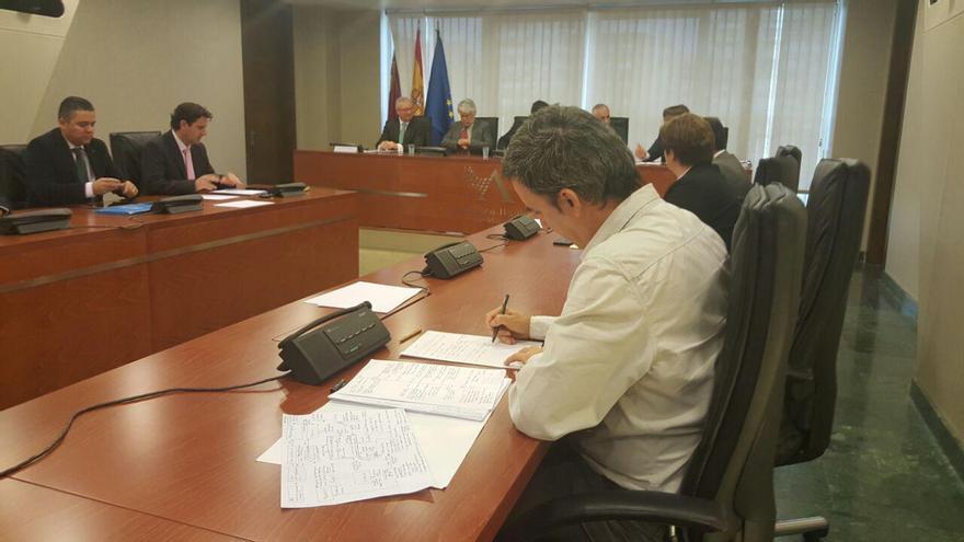 Antonio Urbina durante al comparecencia de Garre