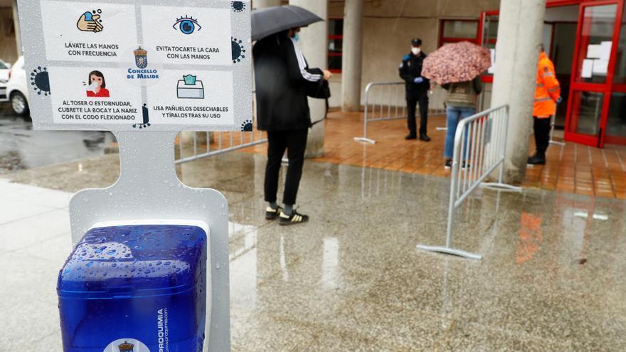Galicia suma 582 contagios nuevos de covid y los casos activos bajan de 9.000
