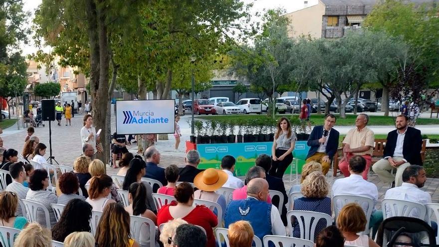 El alcalde de Murcia, José Ballesta, presentando un proyecto del Ayuntamiento