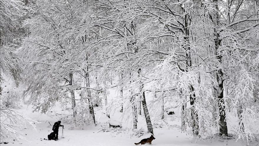 El mal tiempo mantiene todavía a 14 provincias en alerta por lluvias y nieve