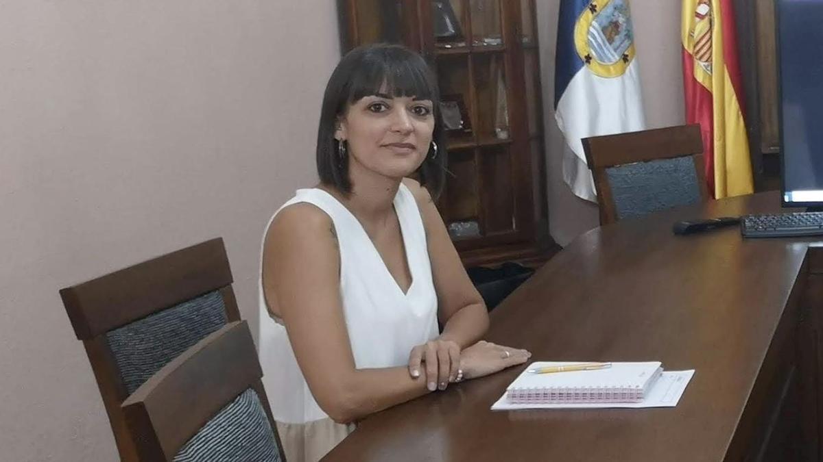 Patricia Hernández, concejal de Recursos Humanos del Ayuntamiento de Fuencaliente.