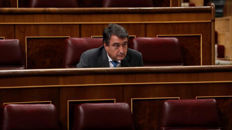 El portavoz del PNV, Aitor Esteban, en el pleno del Congreso este miércoles donde se autorizará otra prórroga del estado de alarma solicitada por el Gobierno
