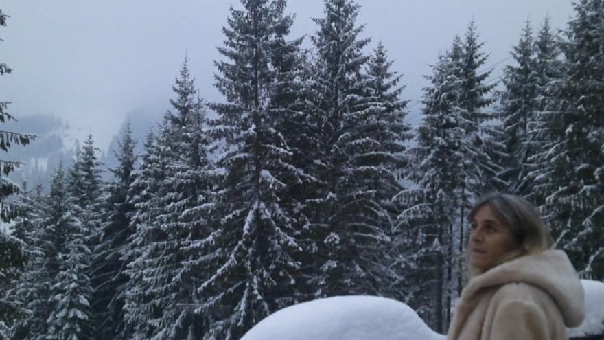 Carmen Martell en un paisaje nevado. Foto: Fernando Espineira.