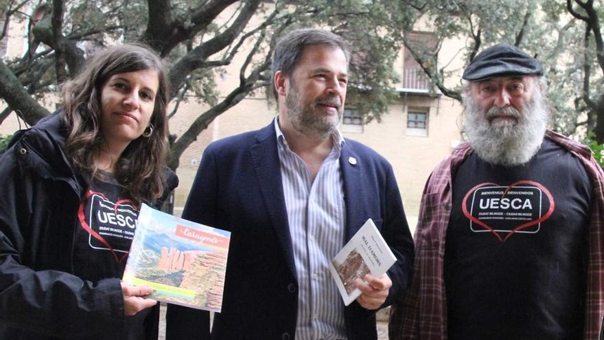 Responsables de la plataforma Charramos Aragonés con el concejal de Cs José Luis Cadena.