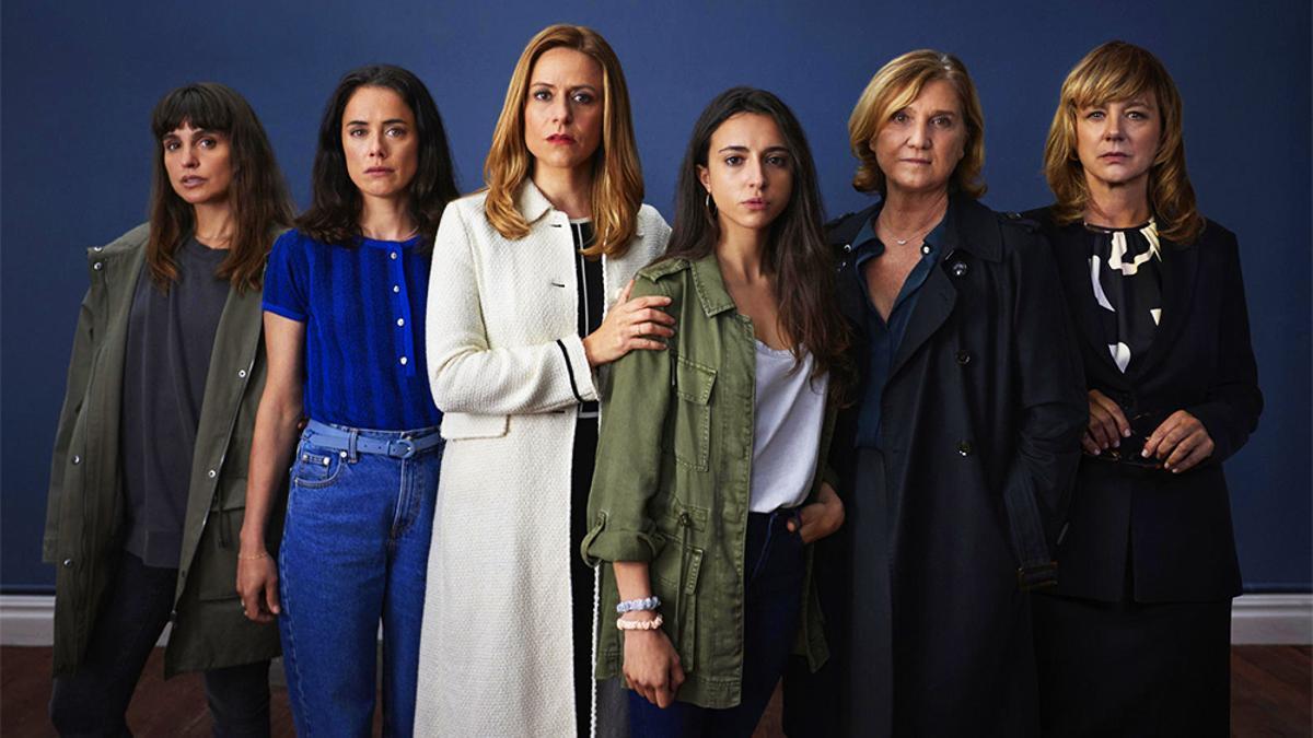 Verónica Echegui, Patricia López Arnaiz, Itziar Ituño, Yune Nogueiras, Ana Wagener y Emma Suárez, de 'Intimidad'