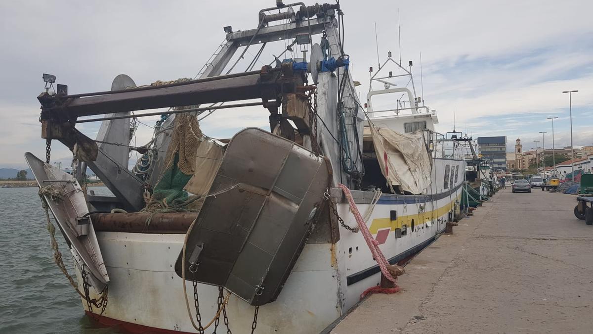 Barcos pesqueros en el puerto de Castelló.