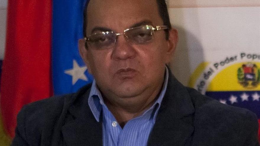 Matan a tiros e incineran a dos policías venezolanos en Caracas