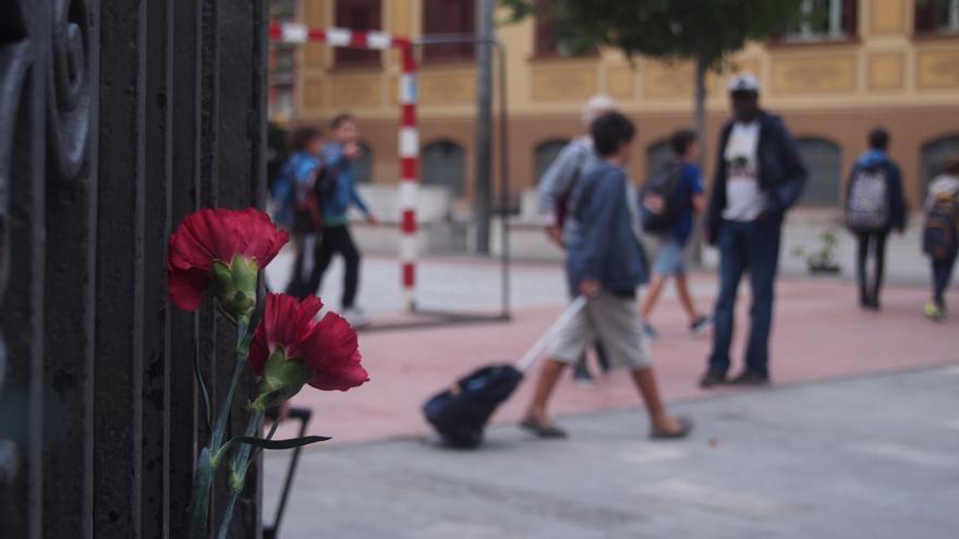 Valla de acceso al colegio Ramon Llul