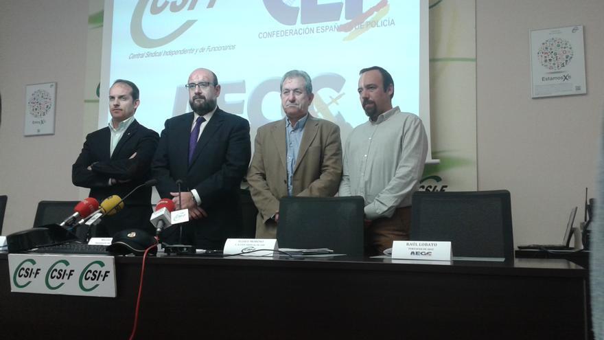 Representantes de los sindicatos y asociaciones de funcionarios civiles, policías, militares y guardias civiles