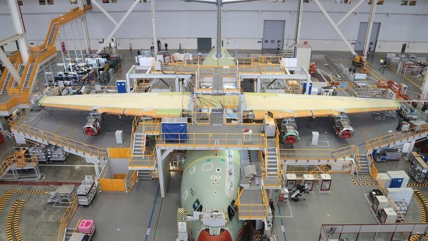 """Junta pide al Gobierno que """"tome cartas en el asunto"""" ante la posible reducción de empleos en Airbus"""
