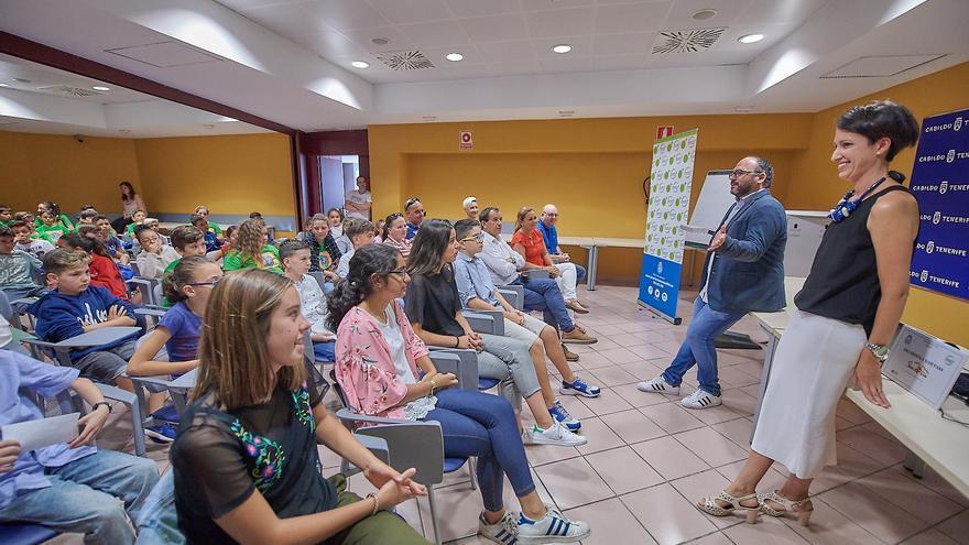 José Antonio Valbuena, en un acto con escolares del 'Recíclope' a finales del curso 2016-17, el último activado
