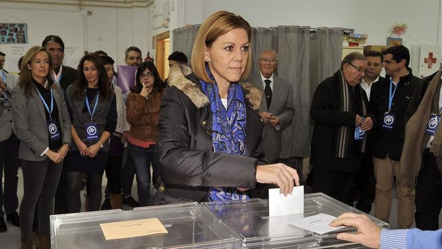 """Cospedal anima a votar """"para decidir sobre el futuro de nuestro país"""""""