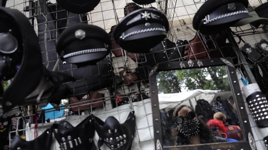 El mercadillo del Chopo: un oasis roquero en medio de la vorágine mexicana