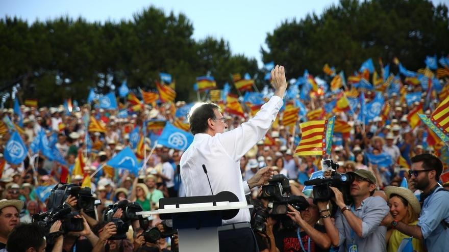 """Rajoy pide votar al """"partido de la moderación"""" y dice: """"España necesita un gobierno fuerte, no en prácticas"""""""