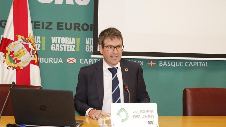 El alcalde de Vitoria, Gorka Urtaran (PNV), elegido nuevo presidente de Eudel