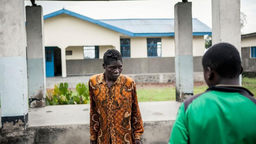 Deo Kakule tiene esquizofrenia y necesita una monitorización constante. Foto: Patrick Meinhardt