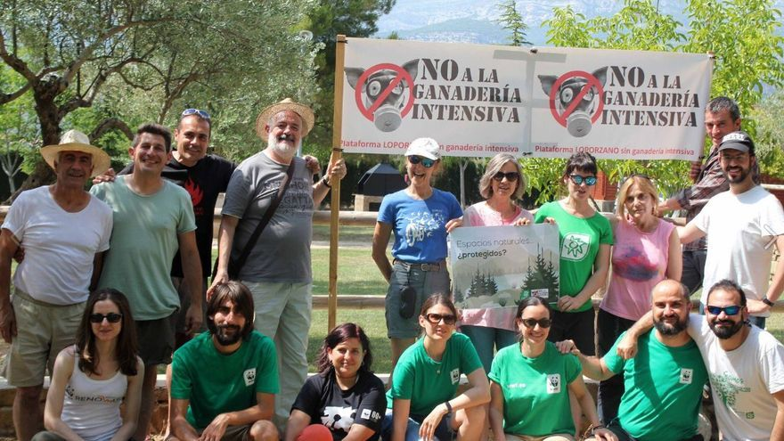 Reunión de miembros de la Plataforma Loporzano SIN ganadería intensiva