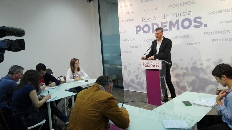"""Urralburu (Podemos) opina que la renuncia de Pedro Antonio Sánchez """"llega tarde y mal"""""""
