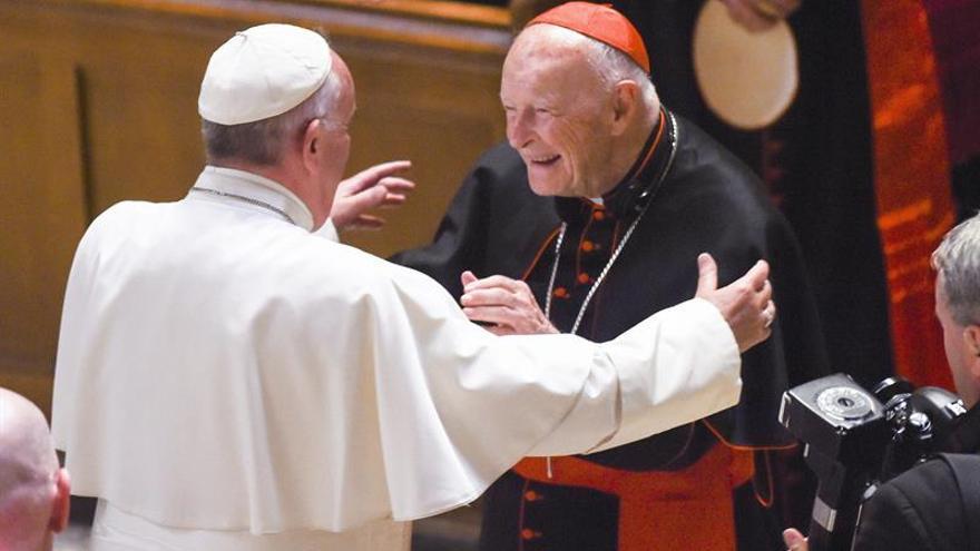 El Vaticano expulsa del sacerdocio al excardenal McCarrick tras las acusaciones de abusos