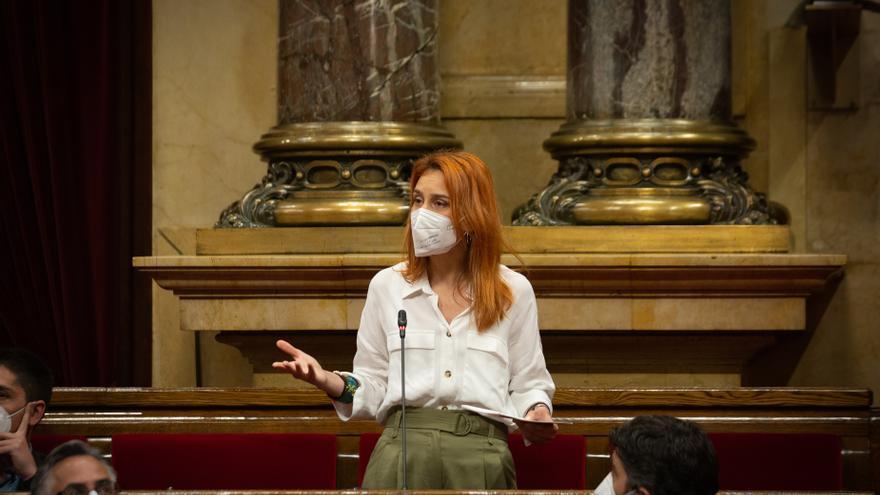La líder de los comuns en el Parlament, Jéssica Albiach, en la sesión de control al Govern en el pleno del Parlament.