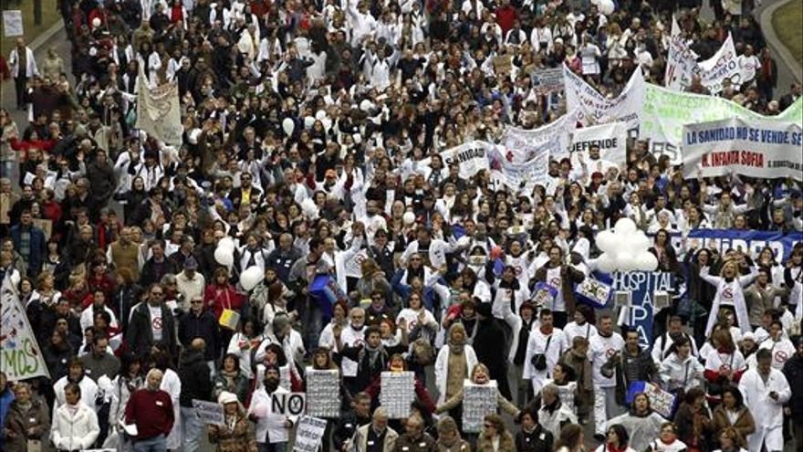 La 'marea blanca' en defensa de la sanidad pública vuelve a Madrid y se extiende por toda España