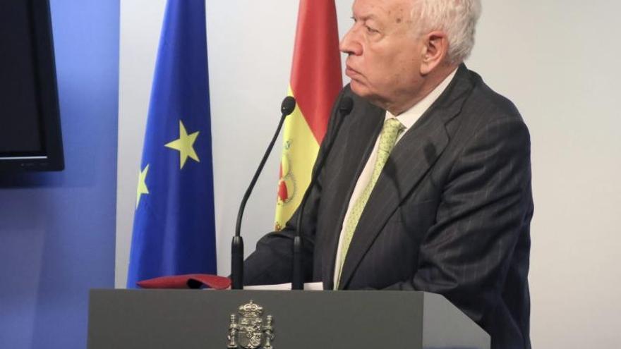 Margallo dice que se habla con todo el mundo para evitar que la sangre llegue al río