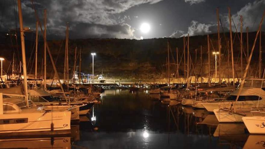 El Puerto de Tazacorte ha crecido un 60% de su ocupación en barcos de transito en apenas  dos años (Foto cedida por el Ayuntamiento de Tazacorte)
