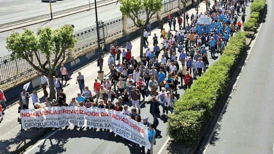 Manifestación en A Coruña contra la privatización de la fachada marítima