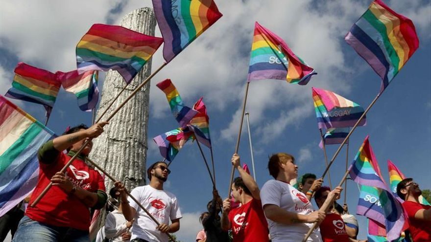 América avanza con leyes para colectivo LGTBI, pero persiste discriminación