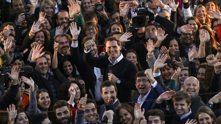 """Rivera prevé un vuelco electoral si Andalucía, que """"perdió el miedo al cambio"""", dan un buen resultado a Cs"""