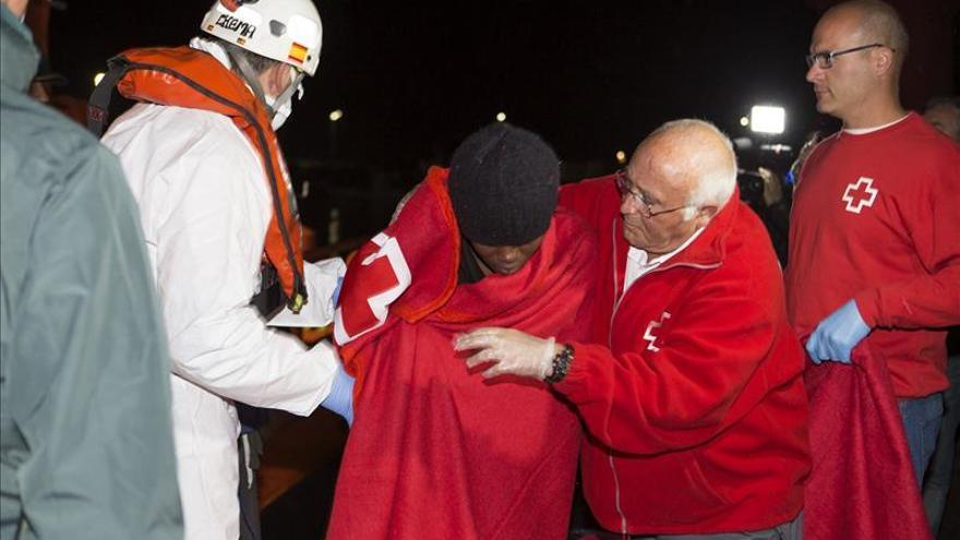 Rescatados 23 inmigrantes en el mar de Alborán