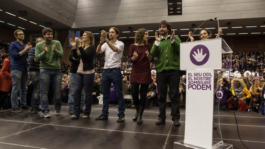 Acto Podemos Barcelona, grupo