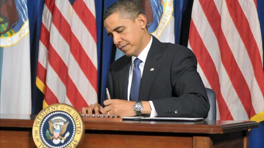 El Senado de EE.UU. autoriza al Gobierno a superar el límite de endeudamiento