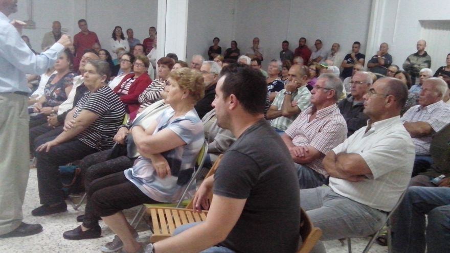 Un momento de la asamblea celebrada el lunes en Valle de Guerra.