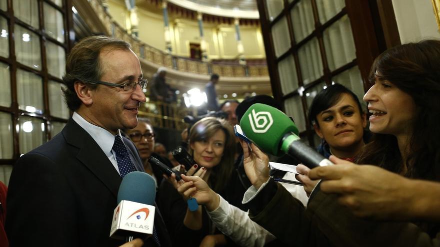Alonso, sobre las elecciones catalanas: Si Mas fuera médico, le daríamos de baja por dar cita para dentro de ocho meses