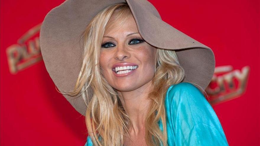 Pamela Anderson subasta un baile en Rusia para proyectos ecologistas