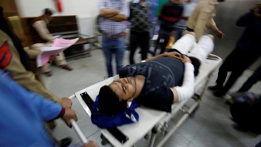Un soldado y tres supuestos insurgentes mueren en combates en la Cachemira india