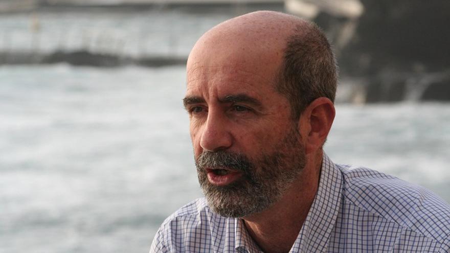 Santiago Pérez, portavoz del partido en la oposición lagunera XTF-Nueva Canarias