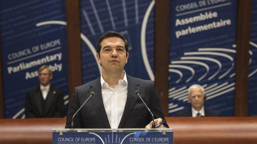 """Tsipras: """"Europa vive una crisis profunda, es hora de dar la alarma"""""""